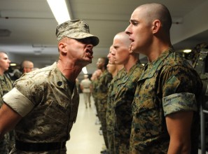 Drill_instructor_at_the_Officer_Candidate_School