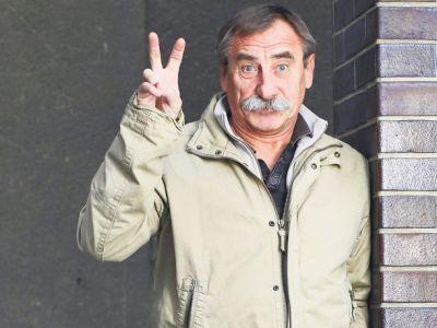 Pavel ZEDNÍČEK, herec, moderátor, gesto, V, véčko